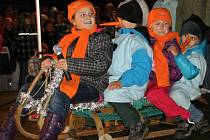 Vánoční stromek v Kmětiněvsi rozsvítila letos zpěvačka Helena Vondráčková