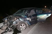 Čelní střet dvou osobních automobilů nedaleko Pavlova.