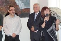 AKADEMICKÝ MALÍŘ Tigram  Abramjan představil výstavu a  poté zazpívala Tena Elefteriadu.