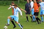 Domácí zápas otočili dvěma slepenými brankami. Pak promrhali dva brejky a nakonec těsnou výhru v nekonečném poločasu uhájili... // FK Brandýsek - SK Slaný B 2:1 (0:1), 2010/11, hráno 8.10.2011