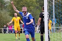 Velvary (v modrém)  v ČFL porazily Duklu Praha B 3:1. Foto: Roman Mareš