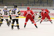 O pohár Kladenského rytíře, zápas Třinec (v červeném) - Litvínov