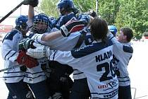Radost dorostenců Alpiqu po rozhodující brance v prodloužení loňského finále