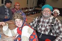 Stará Živohošť ožila ve stylu dědko-babko party