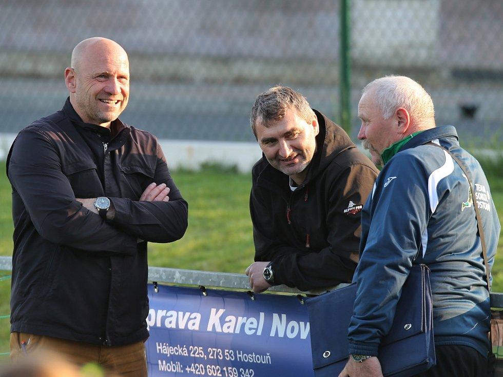Sokol Hostouň - SK Kladno 0:1, Divize B, 9. 4. 2017, bývalí ligisté I. Pihávek, J. Suchopárek a s nimi M.Supáček
