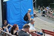 Hudební festival Valník ve slánském letním kině. Den první - pátek