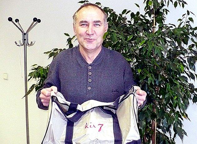 Jan Vaverka z Kladna odvládl zimní Tip ligu čtenářů Kladenského deníku.  Za to si odnesl sportovní kabelu.