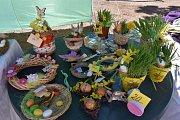Pečení pro dobrou věc a bazárek se nesly v duchu Velikonoc.
