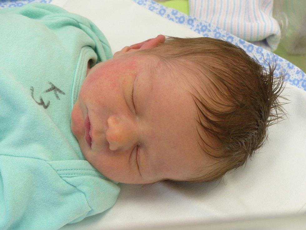 Max Chotěbor  se narodil 9. ledna 2021 v kolínské porodnici, vážil 3530 g a měřil 50 cm. Ve Velimi ho přivítali sourozenci Daník (8), Bellča (4) a rodiče Alena a Zdeněk.