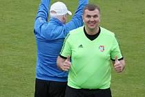 Martin Plašil nastoupil do vranské sestavy na závěr zápasu a statnou postavou hosty  pořádně zlobil.