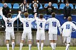 SK dnes zvítězilo a důvod k radosti je velký. Dík patří i hrstce ultravěrným z fanklubu. Byli slyšet !  //  SK Kladno - Králův Dvůr  2:1 (0:1) , utkání 16 k. CFL. ligy 2011/12, hráno 26.11.2011