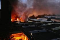 Největší požár první poloviny roku 2009 zasáhl kladenskou Kablovku. Způsobil zde škodu za šest milionů korun.