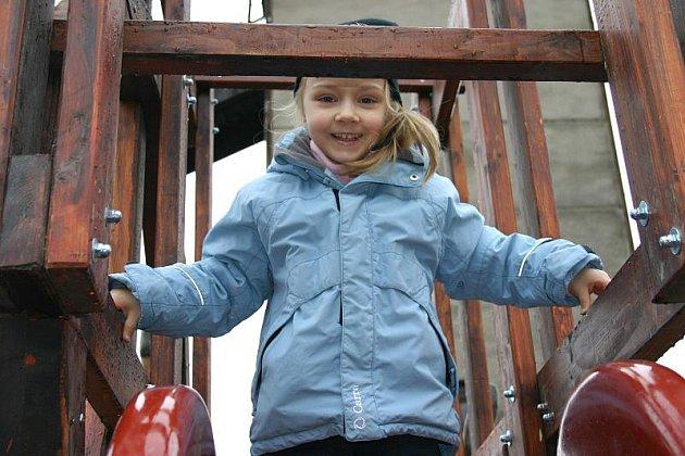 Nové industriální hřiště pro děti je otevřeno v areálu Hornického skanzenu Mayrau ve Vinařicích.