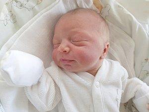 SÁRA BENCOVÁ, RADEŠÍN. Narodila se 10. dubna 2018. Po porodu vážila 2,86 kg a měřila 48 cm. Rodiče jsou Andrea Bencová a Michal Benc. (porodnice Slaný)