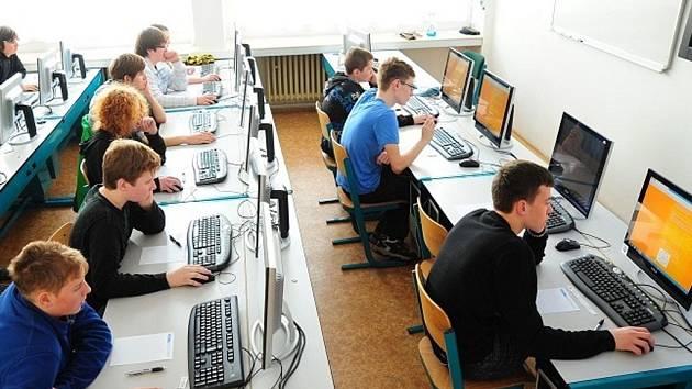 Také kladenští žáci budou moci v IT soutěži získat hodnotné ceny pro školu i pro sebe
