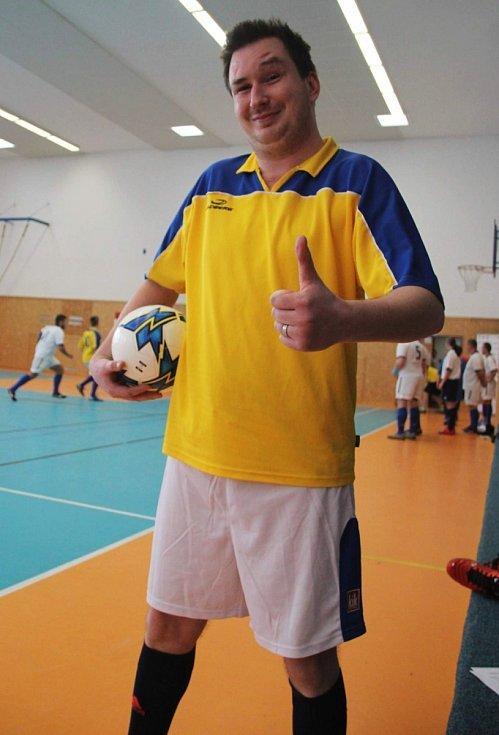 Velký turnaj SKFS rozhodčích se odehrál v Unhošti, vyhrál Mělník. Martin Hlavnička