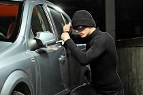 Krádež z auta. Ilustrační foto.