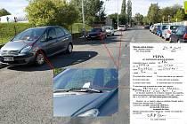 Strážníci rozdali řidičům v Severní ulivi za stěrače vyrozumění o spáchání přestupku.