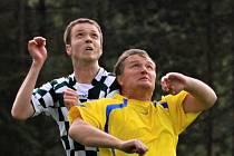 Hlavičkový souboj Václava Kulhánka a Tomáše Abrháma / Slovan - Novo 2:1 (0:0), OP - 20. k., hráno 9. 5. 2010