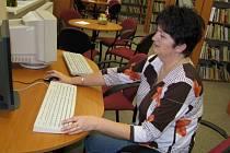 Vedoucí knihovny ve Smečně Vlasta Fořtová