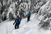Zalyžovat si můžete i bez vleku, skialpinismus má svoje neopakovatelné kouzlo.