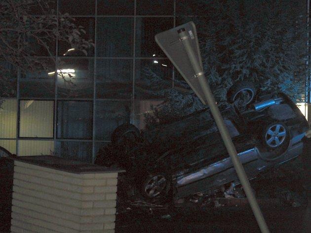 Tragická nehoda v Kladně u Tesca, úterý 25. října 2016
