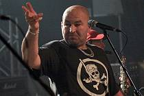 Frontman Tří sester Lou Fanánek Hagen /  Old Punx Tour 2009 - Visací zámek a Tři sestry (foto), KD Kladno 20.11.2009