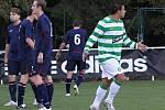 Vpravo střelec branky Zdeněk Podraný, úplně vlevo naštvaný Martin Škvára // SK Lhota - SK Doksy 2:1 (2:0), utkání I.A. tř., 2010/11, hráno 10.10.2010