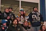 Stovky příznivců sledovaly přímý přenos zápasu Rytířů v Litvínově. Fandění na dálku. Zmar z prohry a sestupu. Smíření. Zůstaneme věrni, za rok jsme zpět ...