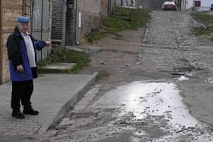 Na kanalizaci ve Švermově čekají několik let.