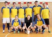 Velký turnaj SKFS rozhodčích se odehrál v Unhošti, vyhrál Mělník. Tým Kladno OFS