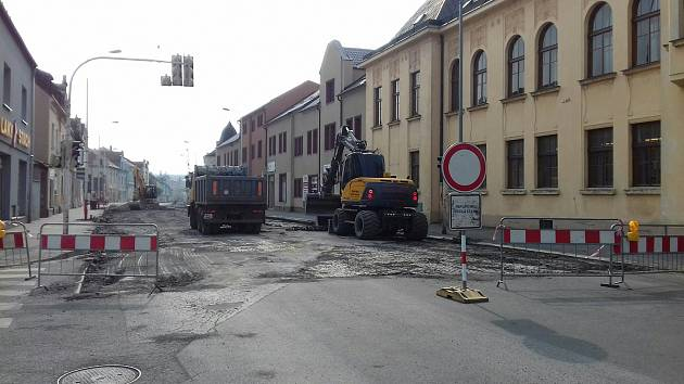 Uzavírka v ulici Generála Klapálka.