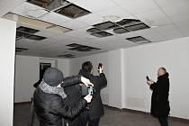 Vedení města Kladna řeší, jak využít zdevastované kino Oko.