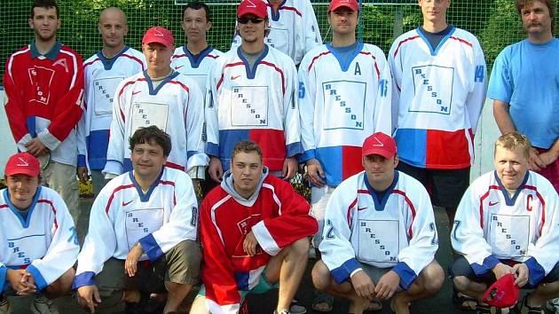 Dobrá parta - hokejbalisté Bressonu Kladno.