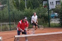 Finále sportovního turnaje v Horním Bezděkově.