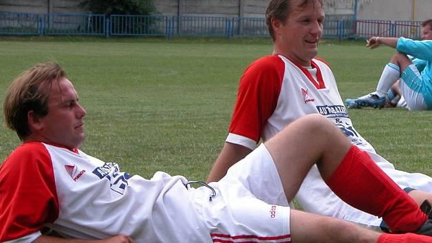 Jan Váňa a Tomáš Abhám. Oba čeká v dresu Nova derby proti Spartě netradičně už v sobotu odpoledne.