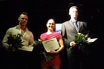 Sportovec Kladenska 2014 - před rokem anketu ovládla aerobička Kateřina Šmejkalová (uprostřed) před kulturistou Michalem Dlouhým a hokejbalistou Tomášem Kudelou.