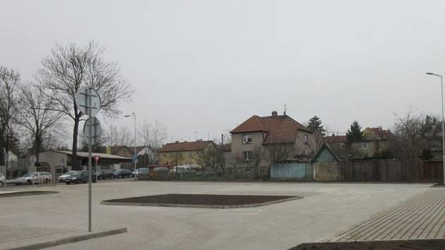 Parkoviště Stochov - Slovanka.