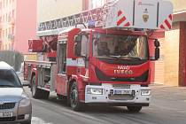 Nový automobilový žebřík kladenských profesionálních hasičů.