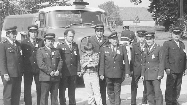 Fotografie ze zlatých časů smečenského Sboru dobrovolných hasičů byla pořízena u příležitosti 110. výročí založení