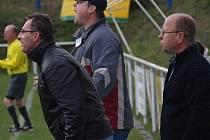 Na lavičce Vraného už před časem skončil kouč Grabmüller (vlevo) a teď i asistent Josef Jenč (vpravo).