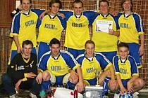 Mužstvo kladenských rozhodčích na turnaji v Lounech skončilo druhé.