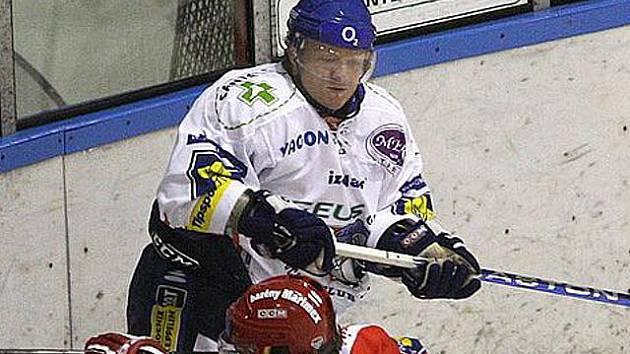 Milan Toman je tvrdý obránce. Tentokrát to pocítil českobudějovický Kotrla.