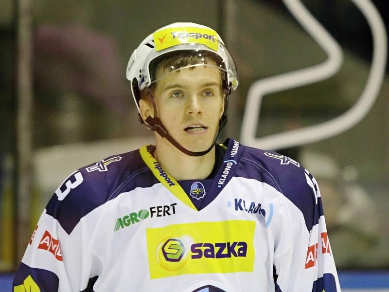 Jakub Strnad // HC Rytíři Kladno - HC ČSOB Pojišťovna Pardubice 1:4,  ELH 2013/14, hráno 1.11. 2013