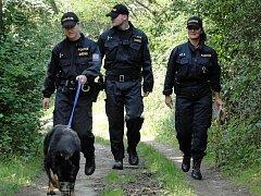 Policisté ve čtvrtek kontrolovali chatové oblasti na Unhošťsku.