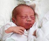 DOMINIK MIKUDÍK, KLADNO. Narodil se 4. května 2017. Váha 3,12 kg, míra 49 cm. Rodiče jsou Jana Mikudíková a Petr Lébl (porodnice Kladno).