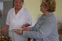 V oblasti péče o seniory působí na Kladensku sedm organizací. Jedním z nich je Fontána v ulici 5. května.