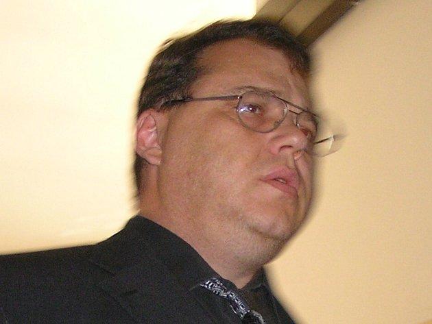 Marko Stehlík prý v roce 1996 poškodil věřitele.