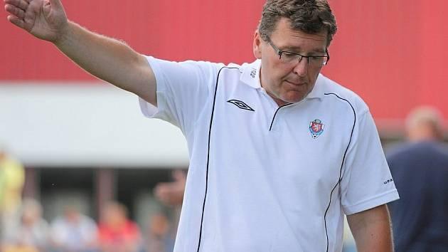 Zdeněk Hašek je zpátky na lavičce, koučuje zatím v I. A třídě Jílové. A ve Slaném si vedl dobře.