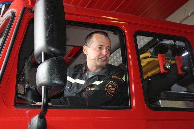V rámci dne otevřených dveří kladenští hasiči ukázali svou techniku veřejnosti.